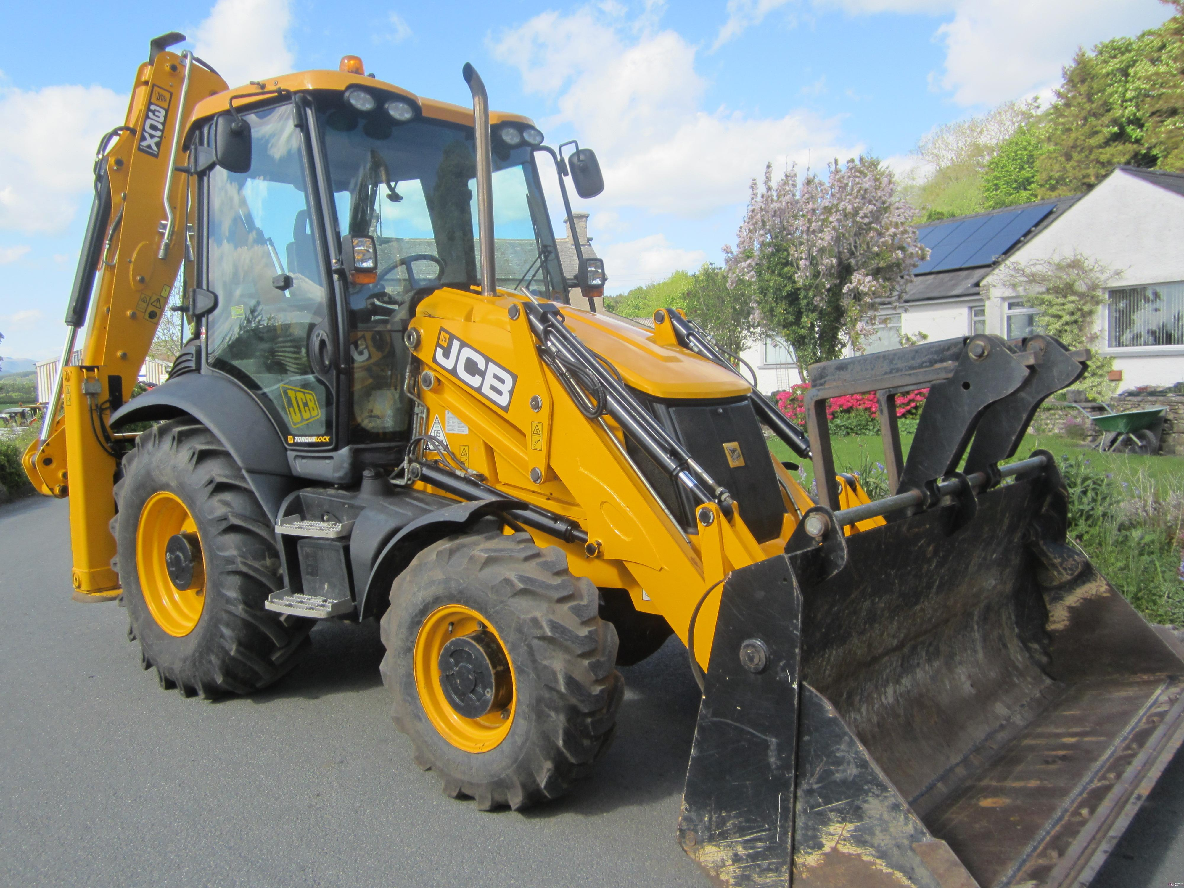 Jcb 3cx Eco Loader For Sale In Slovenia  Click To See More Details